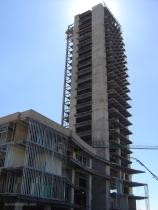 El edificio en construcción (2005)
