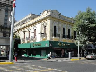 Locales en Juárez y Donato Guerra