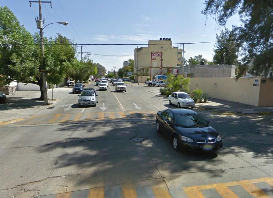 Rubén Darío es par vial, que la convierte en una calle de alta velocidad y poco amigable con el comercio.