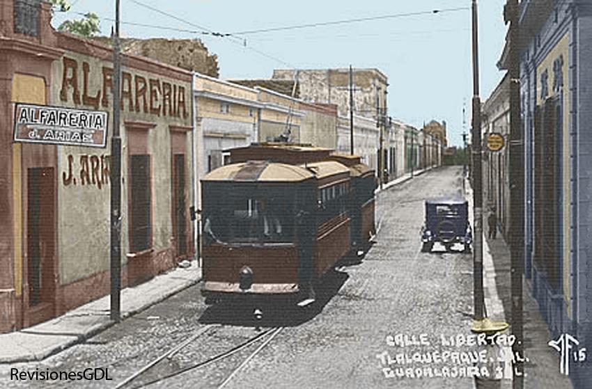 Un tranvía circulando por San Pedro, circa 1925