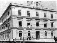 Fachada por 16 de Septiembre, circa 1905