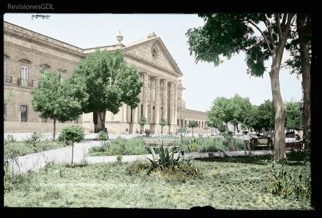Penitenciaría de Escobedo (1845-1933, Foto: H.W. Jackson; color: RevisionesGDL.com)
