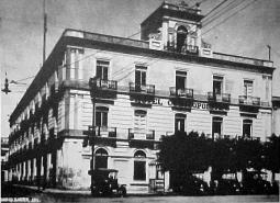 Fachada por Av. 16 de Septiembre, circa 1920.