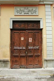 Puerta para vehículos