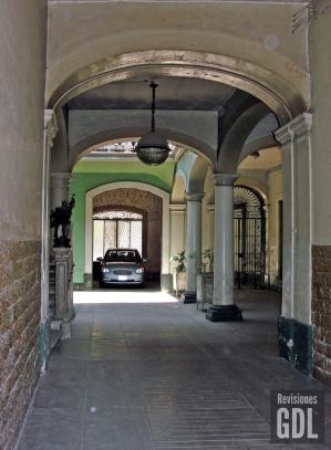 Colón 334, Interior